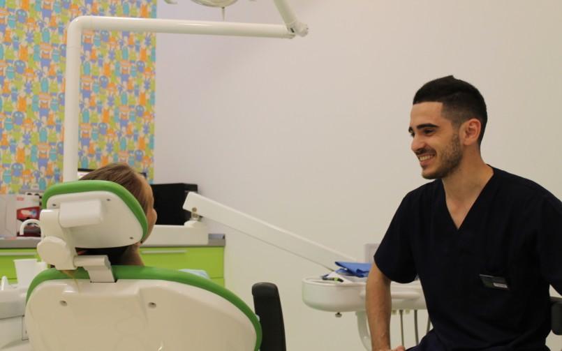 clinica stomatologica Dr Leahu, Adrian Anton