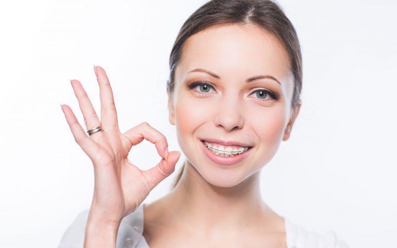 Trei beneficii ale aparatului dentar pe care nu ți le spune medicul dentist