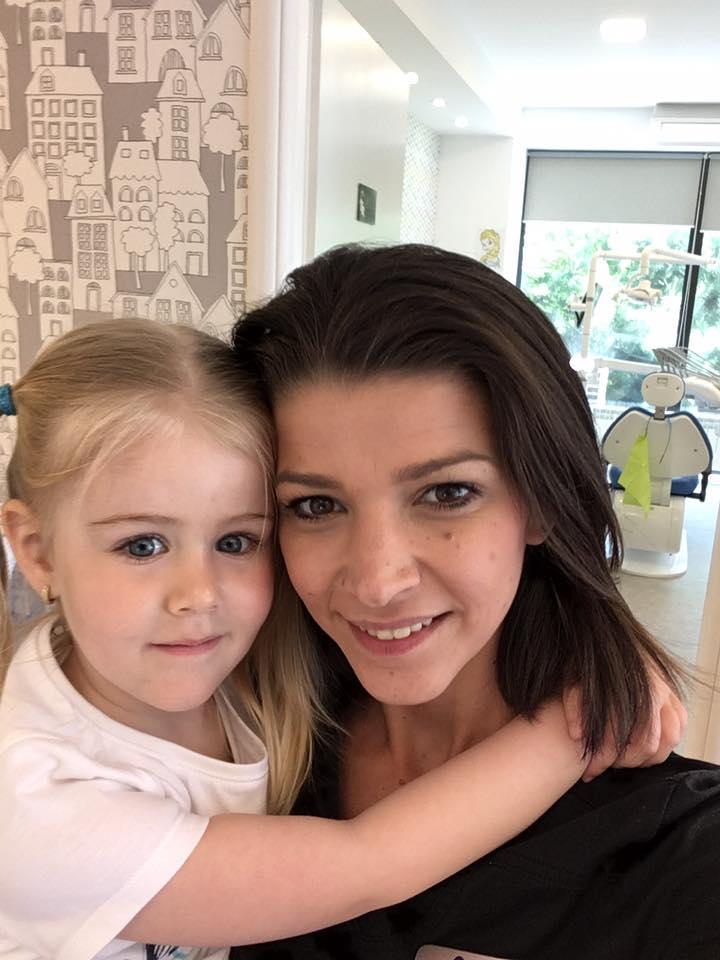 Cum îl poți ajuta pe cel mic să scape de frica de medicul dentist pentru copii?