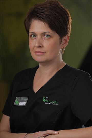 Dr. Anca Mănucu - medic ortodont, portret
