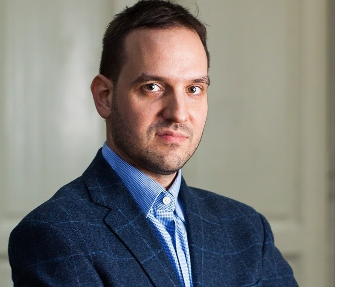 Dr. Mihnea Ioan Nicolescu: Stomatologia modernă a depășit nivelul de doar drill & fill