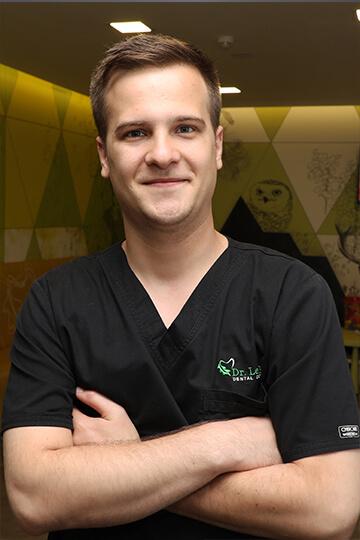 Dr. Bogdan Pavel