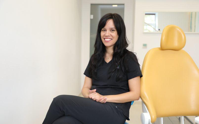"""Mădălina Trofin, specialist ortodonție dentară: """"Am avut o pacientă care a purtat aparat dentar la 69 de ani"""""""