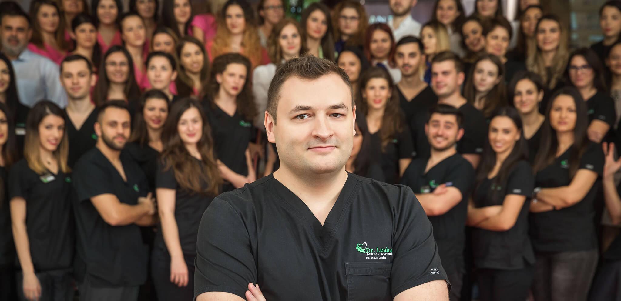 Dr. Ionut Leahu si echipa de medici stomatologi din cadrul clinicilor stomatologice Dr. Leahu
