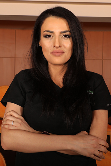 Dr. Roxana Paraschiv