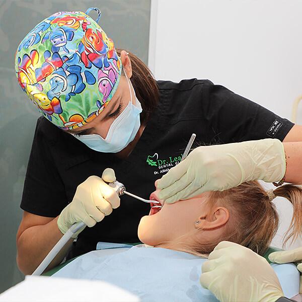 Dentist copii: 5 mituri despre dinții de lapte