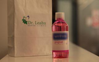 Care sunt avantajele folosirii apei de gură pentru igiena orală?