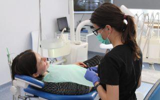 Dinți sensibili. Motive pentru care ai sensibilitate dentară