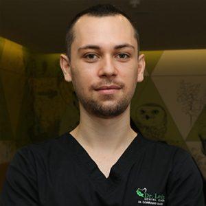 Dr. Corrado Cazacu, medic specialist chirurgie dento-alveolară
