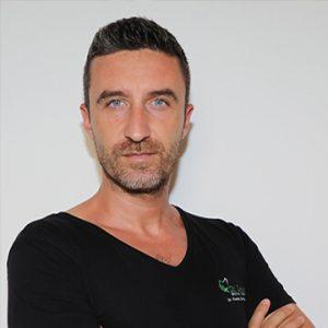 Dr. Konstantinos Liarokapis, medic specialist chirurgie dentară, maxilo-facială; Drd. în Științe Medicale