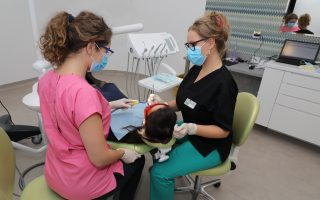 Cât costă albirea dinților și de ce trebuie să alegi această procedură ?
