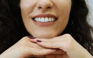 Curățarea dinților. 3 pași pentru o igienă orală impecabilă