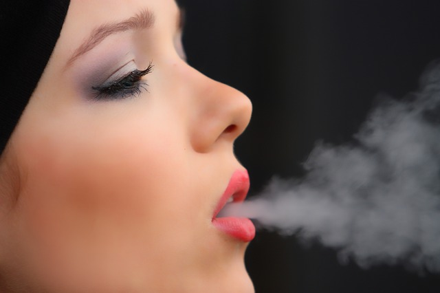 fumatul duce la halitoza