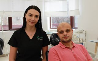""",,Relația dintre medic și pacient este cel mai important aspect al unui tratament stomatologic."""" Interviu cu Dr. Corina Negrea, medic dentist"""