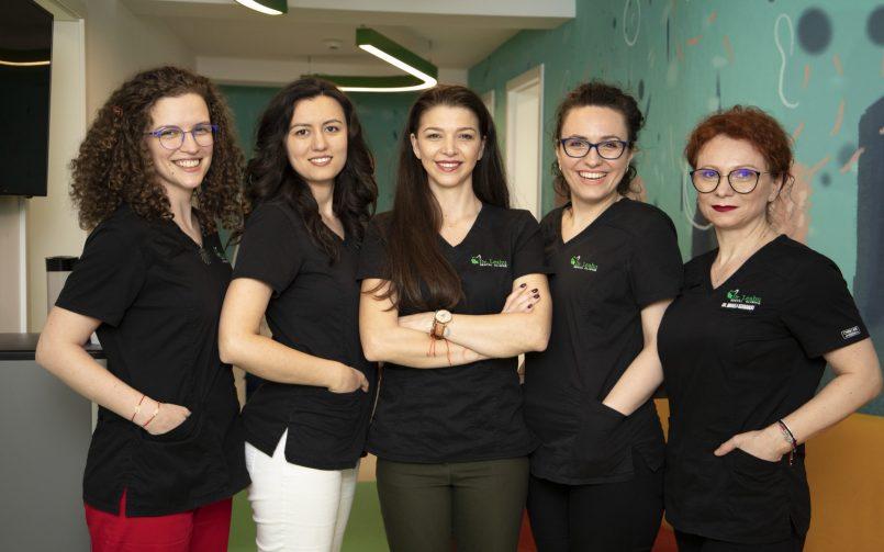 Echipa de medici pedodonti ai Clinicilor Dentare Dr. Leahu