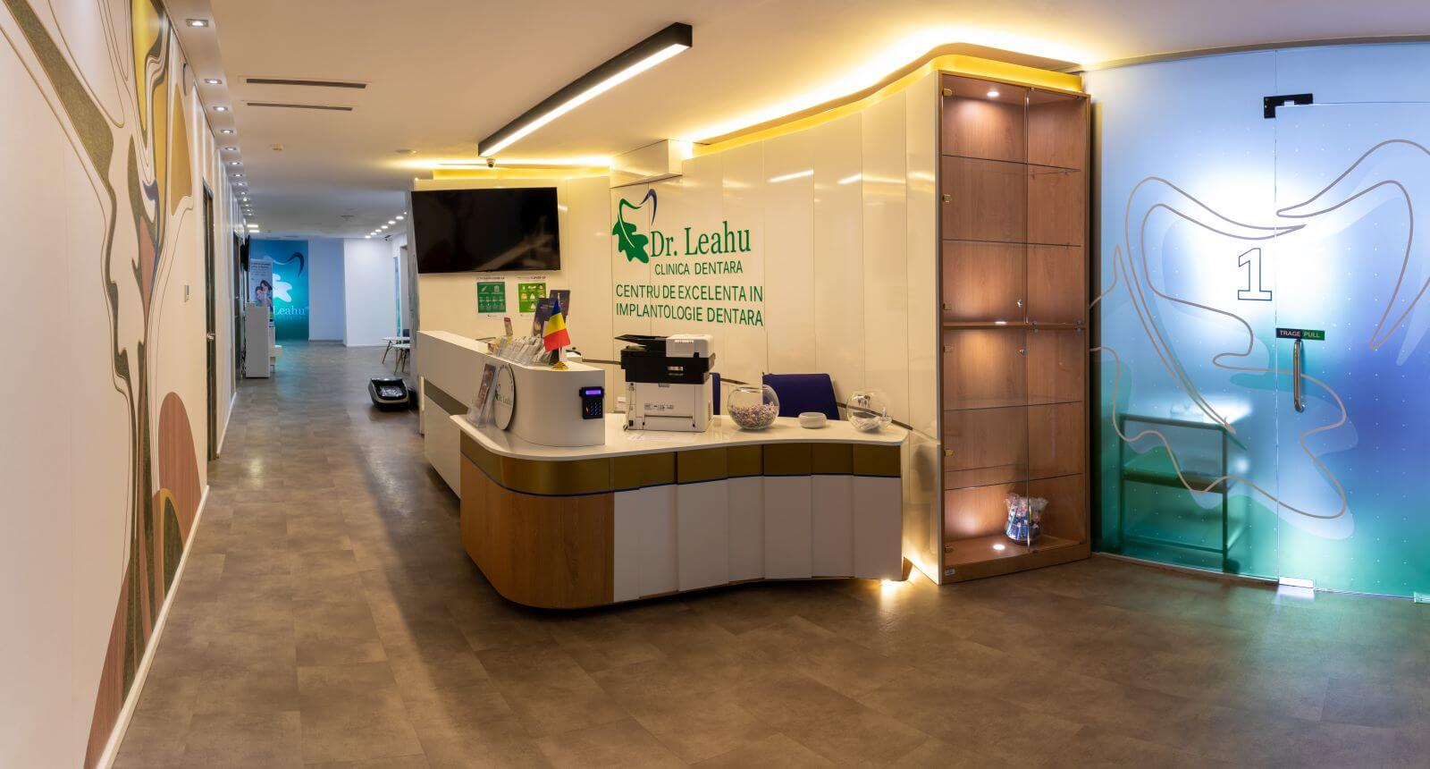 Receptia din Centrul de Excelență în Implantologie Dentară Dr. Leahu Rin Grand Hotel, Clinica stomatologica sector 4 Bucuresti