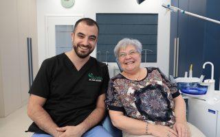 """,,Relația de încredere și comunicarea sunt elementele cheie ale intervențiilor stomatologice"""" Interviu Dr. Carl Moussa, medic specialist chirurgie dento-alveolară"""