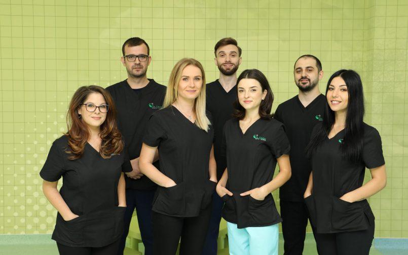 Dr. Georgiana Morosan impreuna cu echipa de medici din Iasi