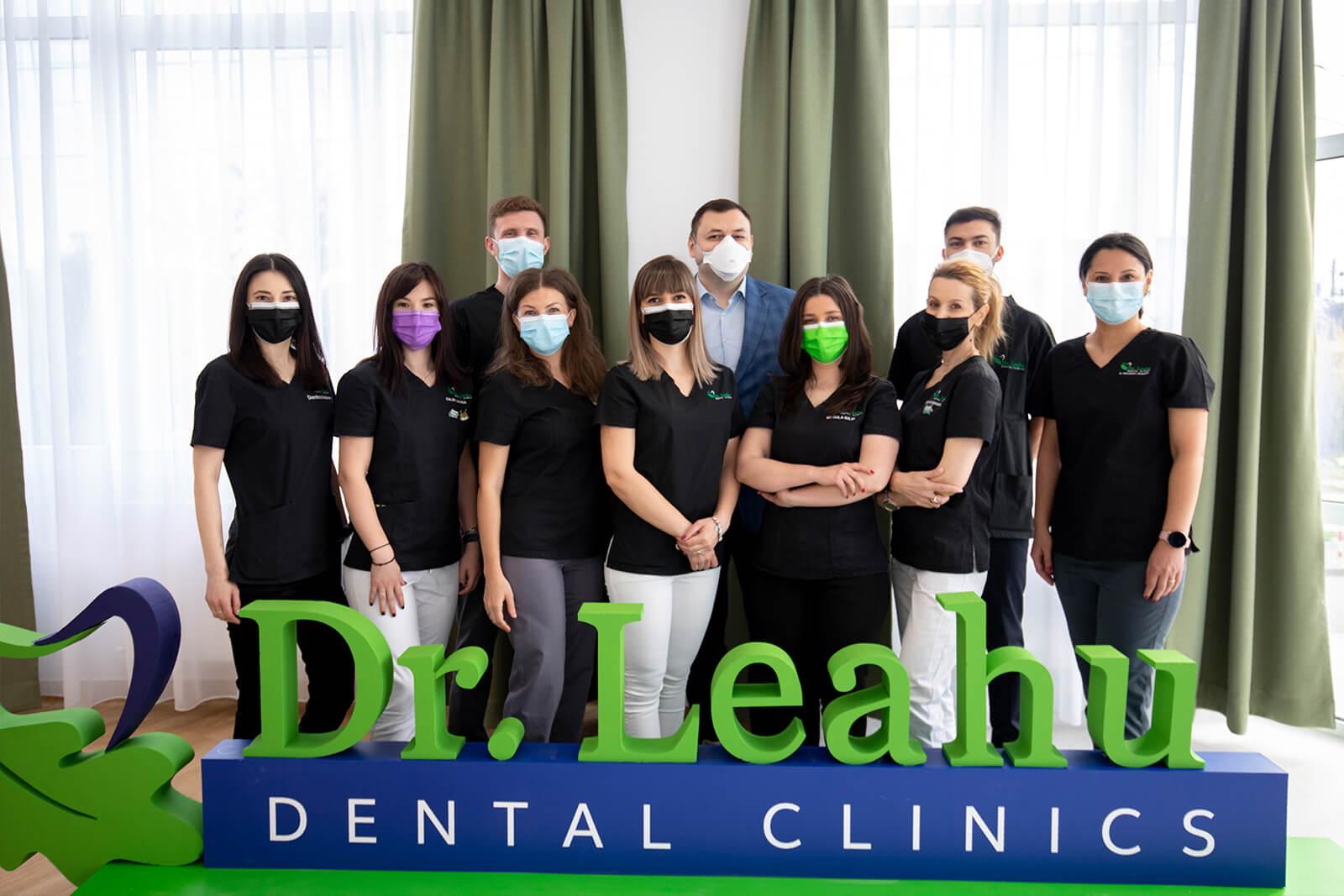 Echipa clinicii stomatologice Dr Leahu Ploiesti, alaturi de medicul Ionut Leahu