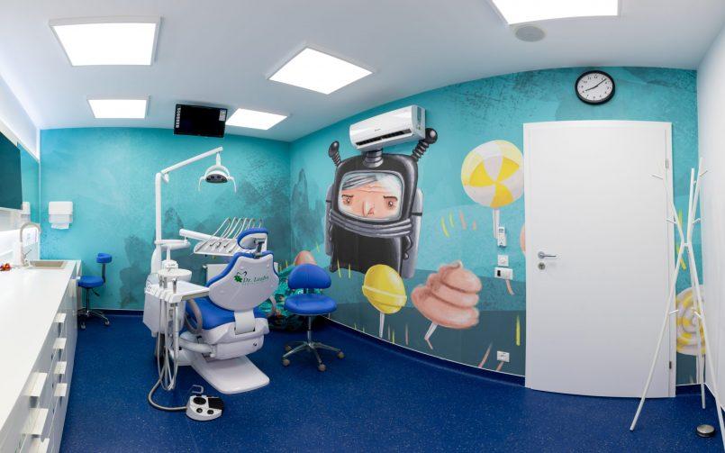 cabinet stomatologic pentru copii cu persinaje de poveste pe perete