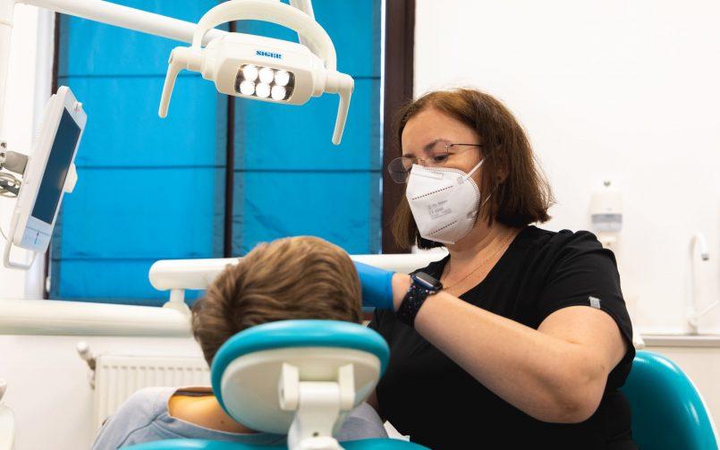 muscatura incorecta tratata de medic ortodont in cabinet
