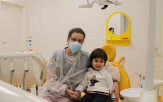 Dentiția la copii. Când apar și cum îngrijim dinții copiilor?