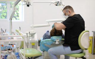 Tratament rapid pentru afte bucale. Cât de repede să ajungi la medic dacă ai stomatită aftoasă?