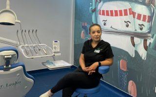 """,,Zâmbetul este cel mai de preț accesoriu.""""– Interviu cu Dr. Sarah Grigorovici, medic stomatolog la Clinicile Dentare Dr. Leahu Ploiești"""