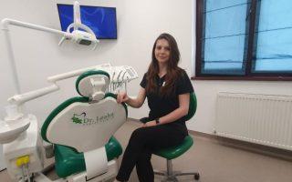 """""""Am întotdeauna timp pentru a asculta nevoile pacientului"""" – Dr. Roxana Rîlea, medic stomatolog"""