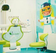 Scaun stomatologic pentru copii din Clinica dentară Dr. Leahu Galati