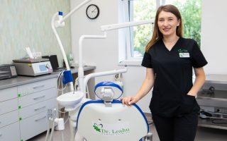 """,,Întreaga echipă este pregătită să readucă zâmbetul pacienților""""- Interviu cu Dr. Maria Stancu, medic stomatolog"""