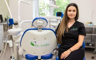 """,,Teama de stomatolog poate fi învinsă chiar în cabinetul stomatologic."""" Interviu cu Dr. Tanya Teodorescu, medic stomatolog"""