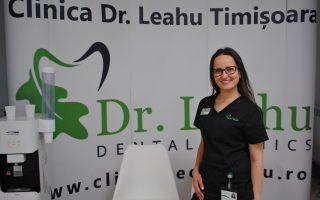 """,,Răbdarea, empatia și informarea asupra actului medical sunt elementele esențiale în cazul tratării pacienților anxioși"""" Interviu Dr. Teodora Satuha, medic stomatolog"""