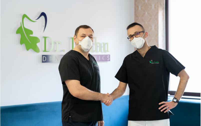 medici stomatologi in clinica dentara