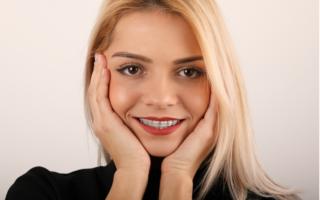 Cum schimbă aparatul dentar fizionomia feței